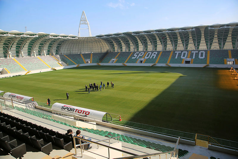 super-lige-bir-modern-stat-daha-akhisar-belediye-stadi-1516955960975.jpg