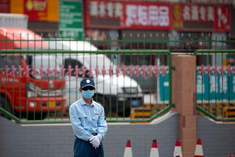 Koronavirüste ikinci dalga paniği! Marketler kapatıldı hastanelerde doluluk artıyor