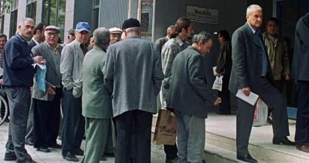 Yüzbinlerce kişiye emeklilik yolu açılıyor