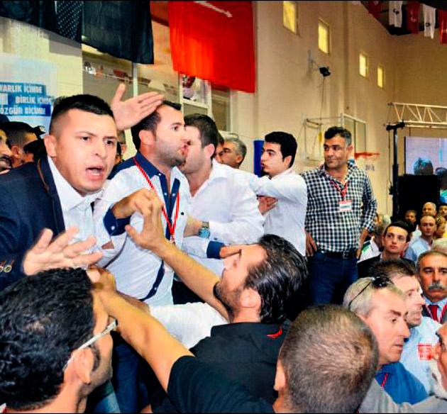 CHP'de olaylı genel kurul