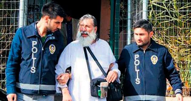 'Tacizci' 16 yıl sonra 'şifacı' olarak geri döndü