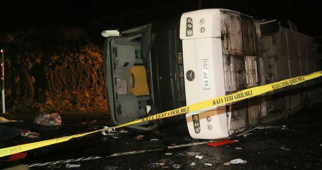 Polis otobüsü devrildi: 3 şehit