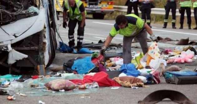 Mısır'da katliam gibi kaza: 27 ölü