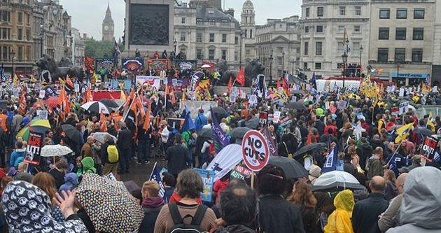 İngiltere'de sağlık çalışanları grevde
