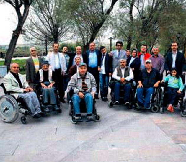 Duruay'dan engelli vatandaşlara tesis