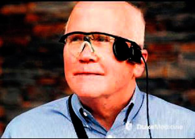 33 yıl sonra biyonik gözlükle gördü