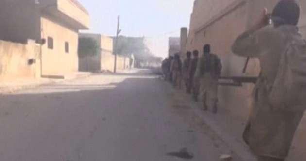 IŞİD militanları Irak'taki kamplarda eğitiliyor