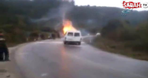 Yolcu minibüsü seyir halinde alev alev yandı