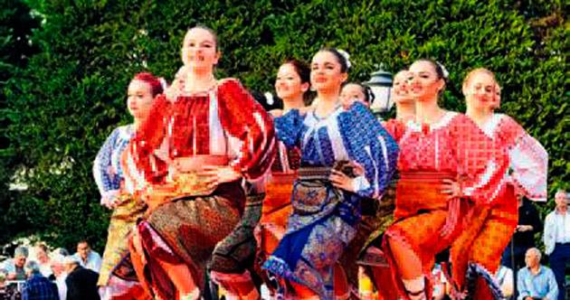 Balkan dansları kente renk kattı