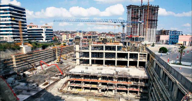Paralel AVM inşaatı çevre halkını bezdirdi