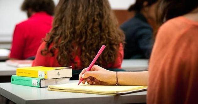 Diyanet Vakfı'ndan 17 bin 500 öğrenciye burs