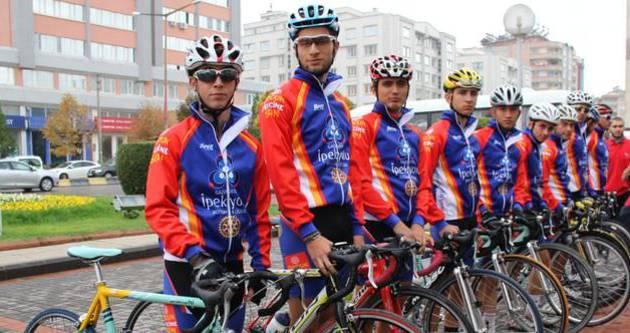 Pedallar çocuk felci için çevrildi