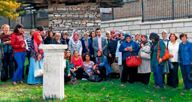AK Kadınlar'dan kültür ziyaretleri