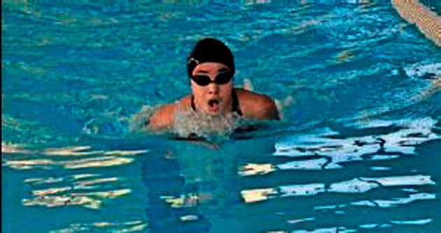 Kürek ve yüzme yarışları ilgi gördü