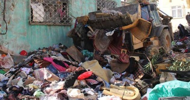 Tokat'ta evden 5 kamyon çöp çıkarıldı