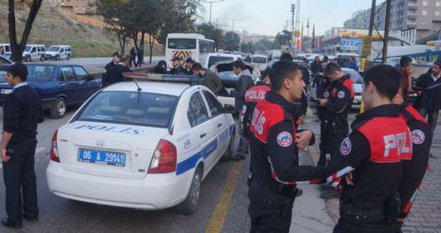 Polise uzun namlulu silahla ateş açıldı