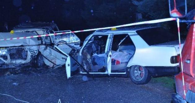 Balıkesir'de feci kaza: 2 ölü