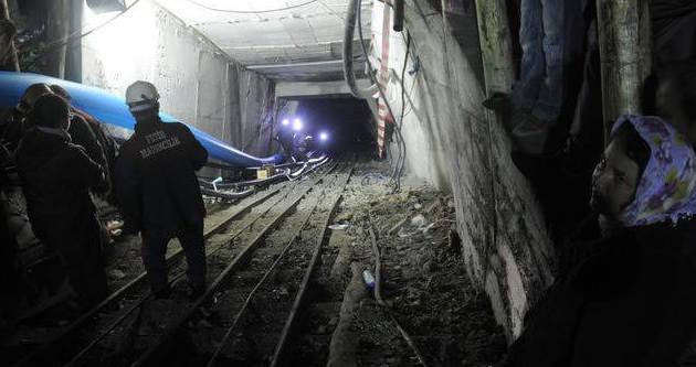 Madende mahsur kalan işçi baba oldu