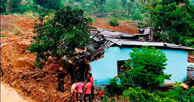 Toprak faciası: 300 kişi kayıp