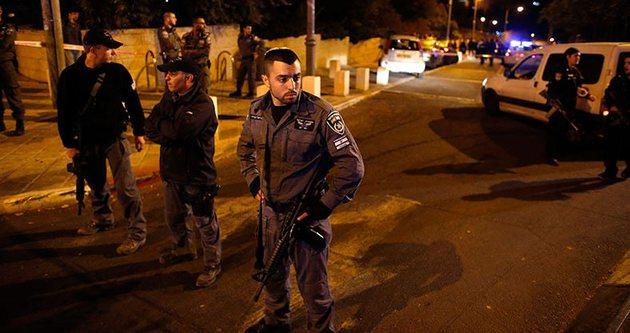 İsrail Mescid-i Aksa'yı kapattı