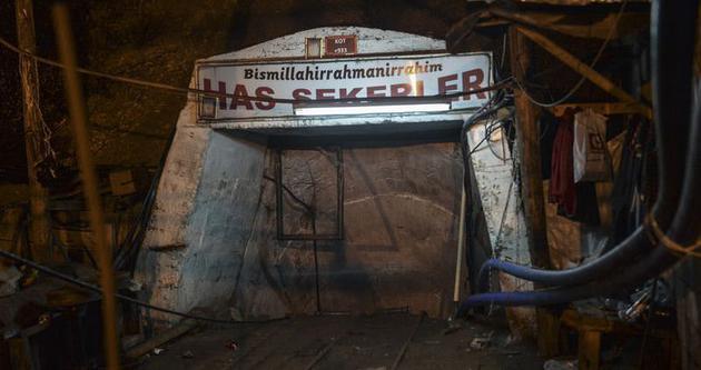 İşe başladığı gün madende mahsur kaldı
