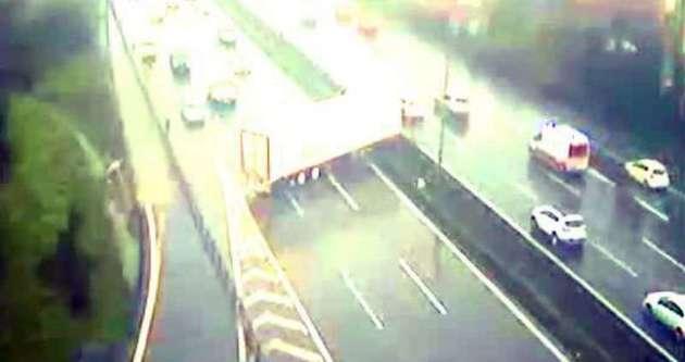 Maltepe'de trafiği felç eden kaza!