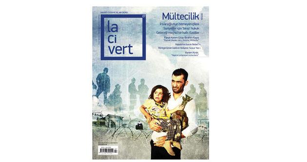 Lacivert 'mültecilik' dosyasıyla çıktı