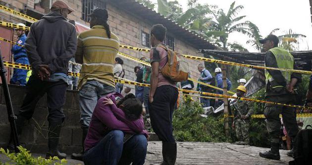 Kolombiya'da madeni su bastı