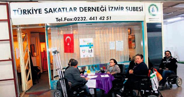İcraya kızan engelliler CHP'yi kara listeye aldı