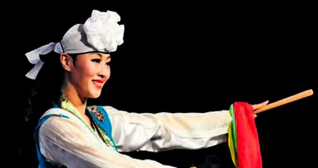 Busan Dans Topluluğu Antalyalıları büyüledi