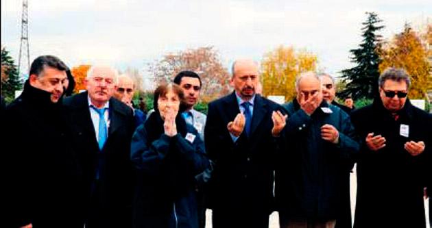 Bülent Ecevit 6. yılda mezarı başında anıldı
