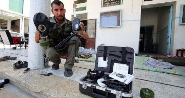 Esad güçlerine gaz maskesi dağıtıldı