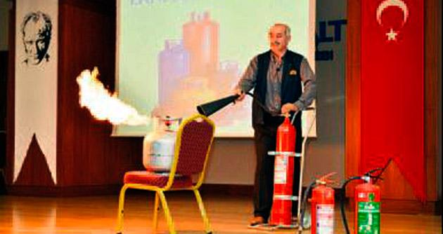 Belediye'de yangın ve ilkyardım dersi