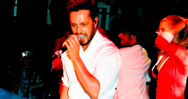 Gizlice çıktığı 45 konser için 105 bin lira ceza ödeyecek