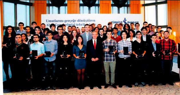 İş Bankası, başarılı öğrencileri ödüllendirdi