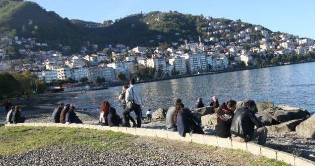 Pastırma yazı vatandaşı sahile döktü