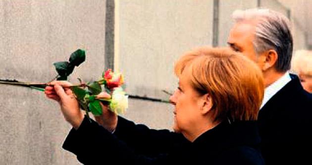 Duvar'ın yıkılışına coşkulu kutlama