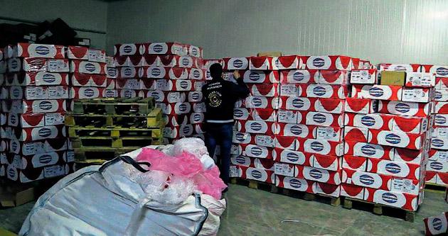 Bin 44 ton kaçak eti piyasaya sürmüşler