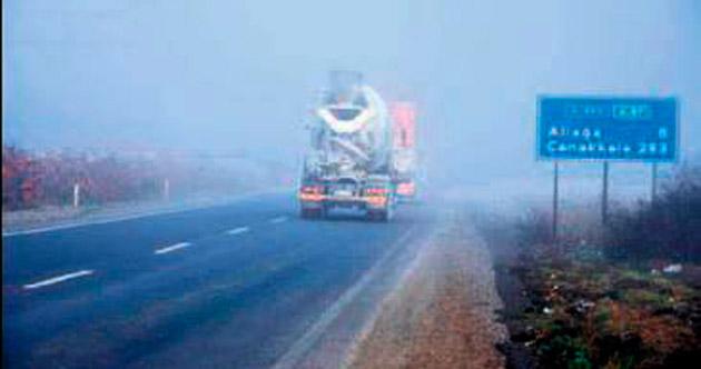 Sisli hava yüzünden sürücüler zorlandı