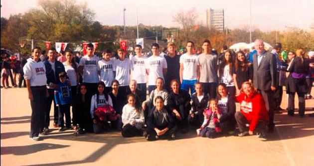 Öğrenci ve öğretmenler Umut Koşusu'na katıldı