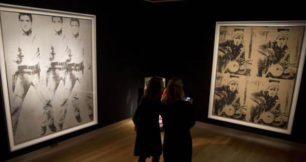 Andy Warhol'un çalışmalarına rekor para