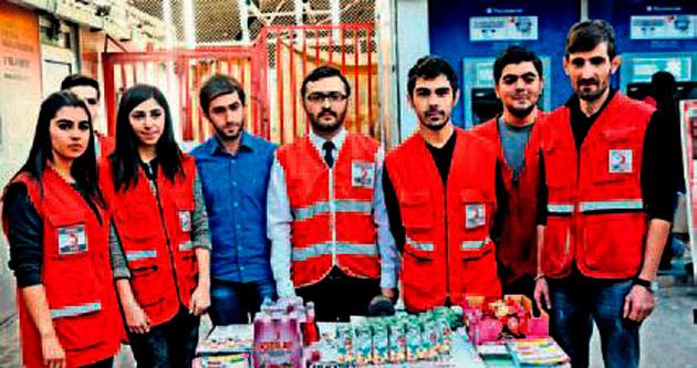 Genç Kızılaycılar kan bağışının önemini anlattı