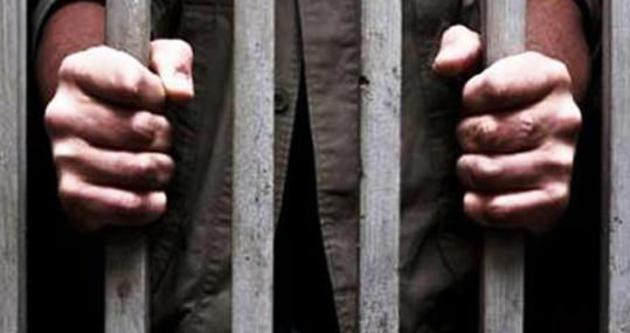 İki haftadır tutukluydular