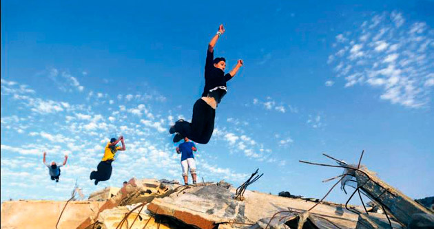 İsrail bombalarının yıkamadığı gençler
