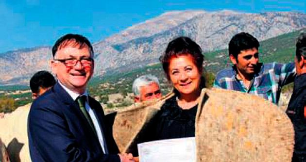 Kadın çoban sertifika aldı