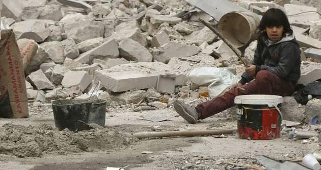 Halep halkı bombaların arasında