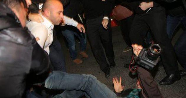 Gazetecilere saldıranlar için mahkemeden karar