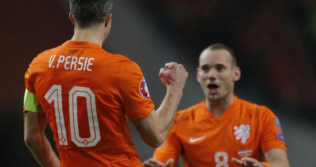Sneijder'den ırkçı yorumlara sert tepki