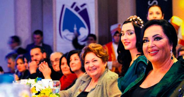 Türkan Sultan Manisa güzelinin tacını taktı