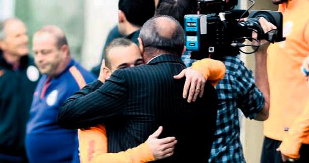 Sneijder: Yürüyoruz yani
